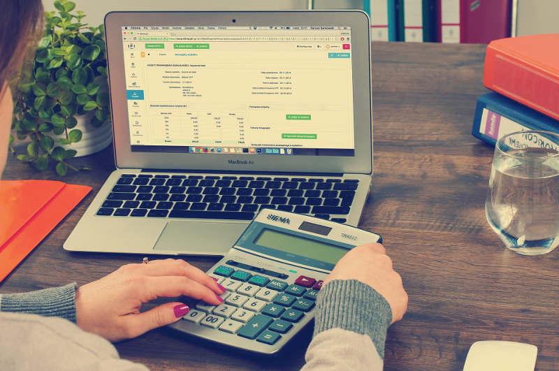 el impuesto de sociedades en empresas
